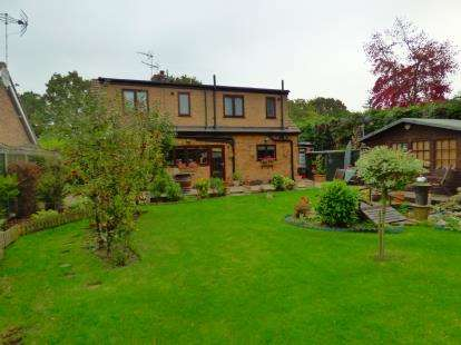4 Bedrooms Detached House for sale in Ardleigh, Colchester, Essex