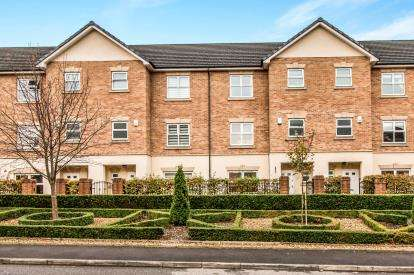 4 Bedrooms Town House for sale in Hampstead Drive, Whitefield, Greater Manchester, Manchester