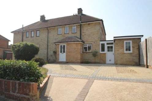 3 Bedrooms Semi Detached House for sale in Church Crookham, Fleet, Hampshire