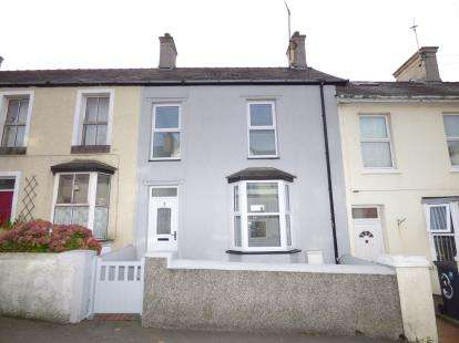3 Bedrooms Terraced House for sale in Greenfield Terrace, Holyhead, Anglesey, LL65