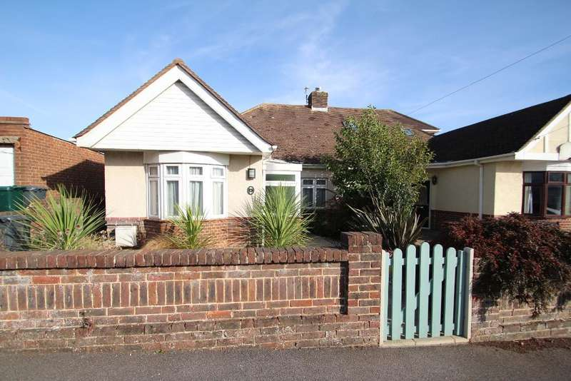 3 Bedrooms Bungalow for sale in Benfield Close, Portslade, East Sussex, BN41 2DD