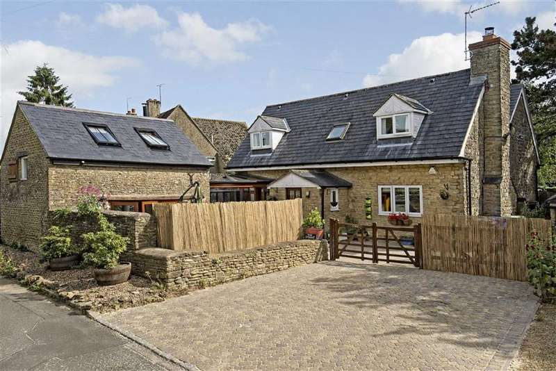 5 Bedrooms Detached House for sale in The Steane, Chapel Lane, Farthinghoe