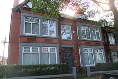 2 Bedrooms Flat for rent in Heathfield Road, L15 9EZ