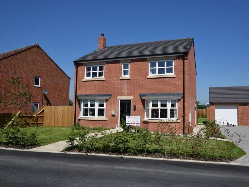4 Bedrooms Detached House for sale in Ingrams Piece, Ardleigh, CO7 7PZ