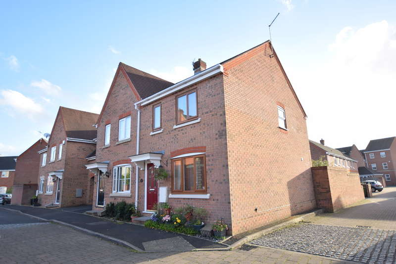3 Bedrooms Semi Detached House for sale in Old Dickens Heath Road, Shirley