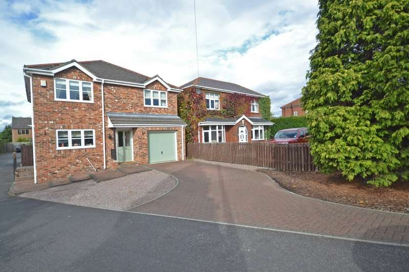 4 Bedrooms Detached House for sale in Orchard Drive, Royston