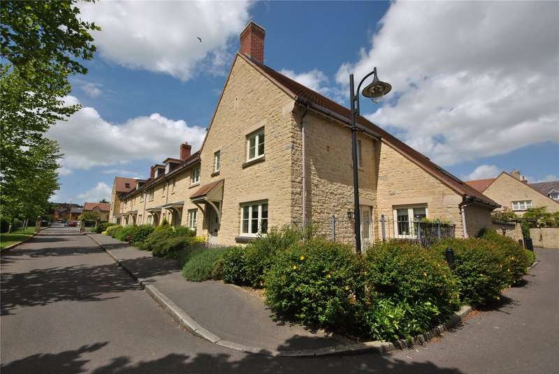 3 Bedrooms House for sale in Abbeymead Court, Sherborne, Dorset, DT9
