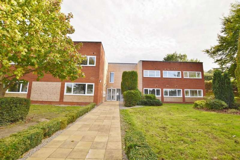 2 Bedrooms Apartment Flat for rent in Brock House, Princess Way, Prudhoe