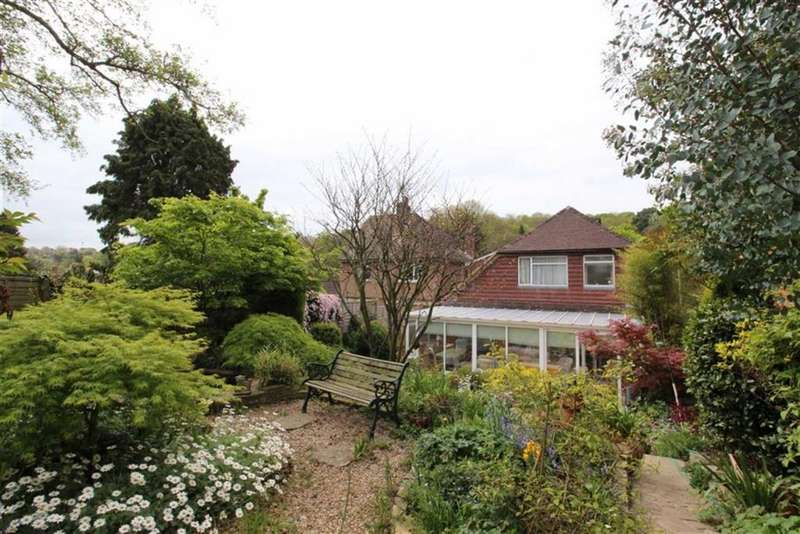 5 Bedrooms Detached House for sale in St Helens Road, Hastings
