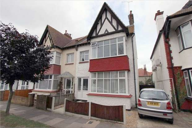 3 Bedrooms Semi Detached House for sale in 67 Silversea Drive, WESTCLIFF-ON-SEA, Essex
