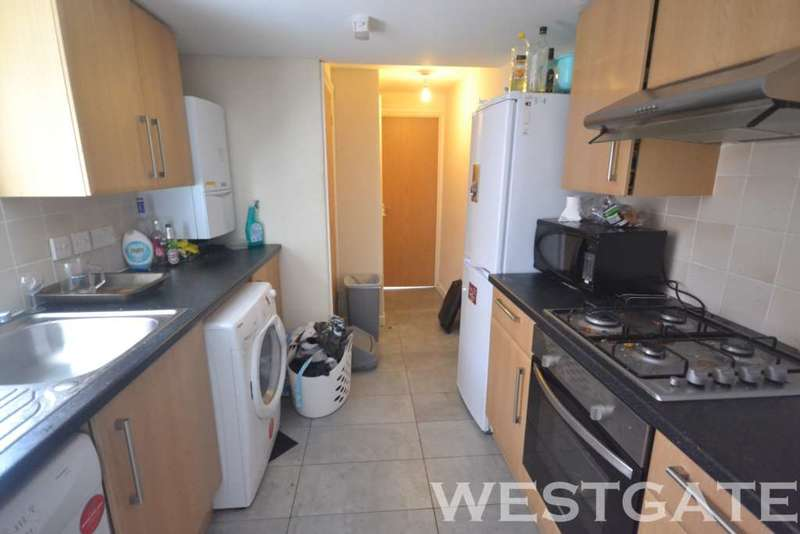 6 Bedrooms Terraced House for rent in Donnington Gardens, Reading