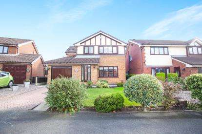 4 Bedrooms Detached House for sale in Pine Street, Woodley, Stockport, Cheshire