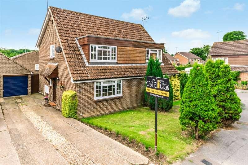 3 Bedrooms Semi Detached House for sale in Cranston Way, Crawley Down, Crawley, West Sussex, RH10
