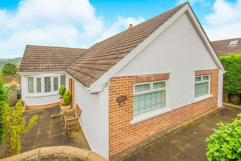 3 Bedrooms Detached Bungalow for sale in Highfield Road, Pontllanfraith, Blackwood