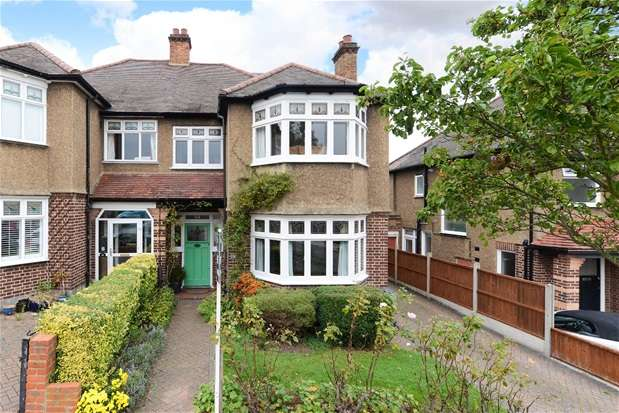4 Bedrooms Semi Detached House for sale in Cheviot Road, West Norwood