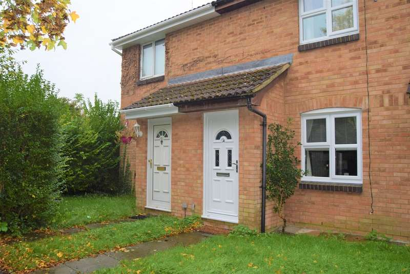 2 Bedrooms Terraced House for sale in Percheron Close, Shaw