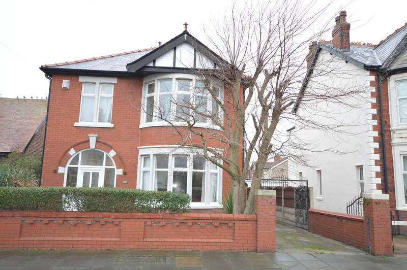 4 Bedrooms Detached House for sale in Broadway, South Shore