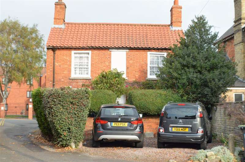 3 Bedrooms Detached House for sale in Eastgate, Sleaford