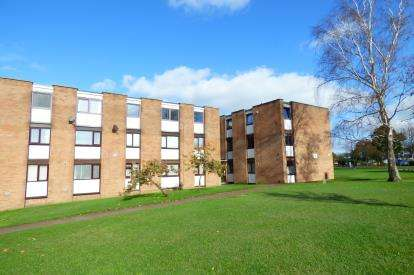 1 Bedroom Flat for sale in Canford Heath, Poole, Dorset
