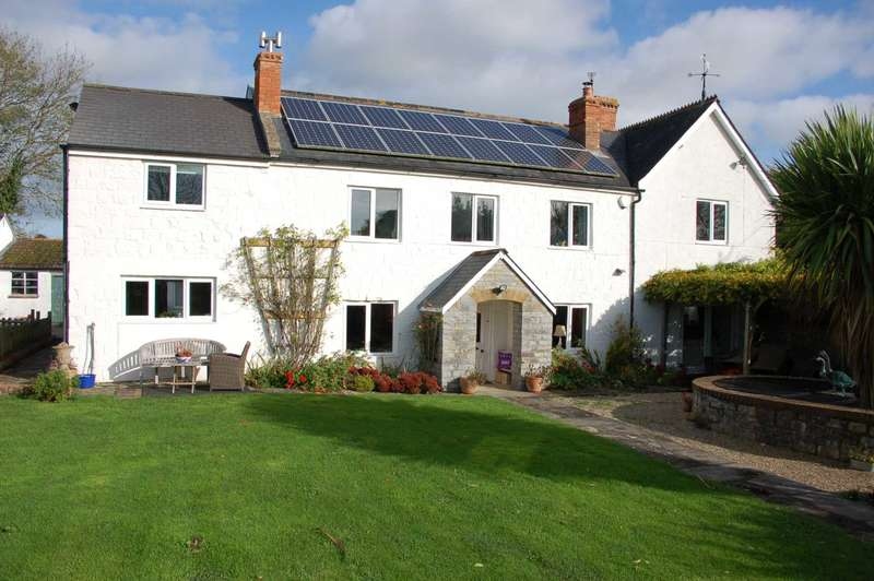 5 Bedrooms Detached House for sale in Stillbrook Farm