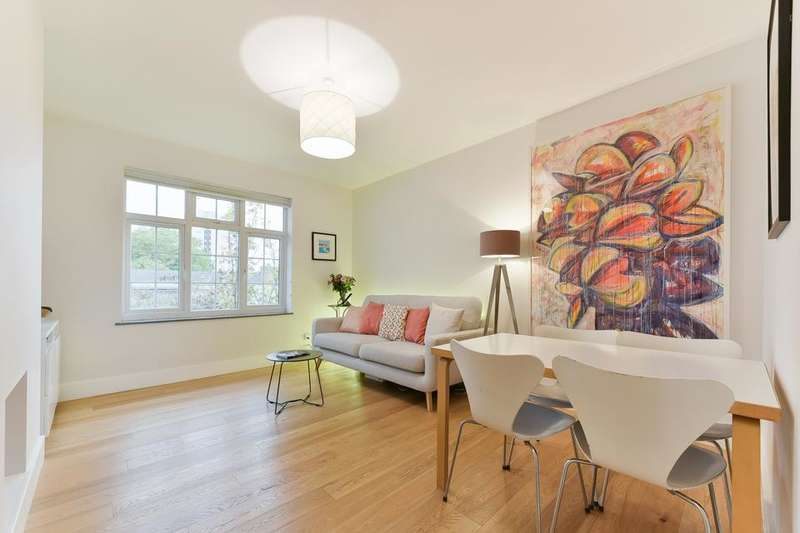 3 Bedrooms Flat for sale in Anderson House, Fountain Road, London SW17