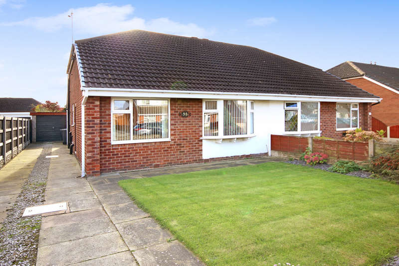 2 Bedrooms Semi Detached Bungalow for sale in Seacroft Crescent, Marshside, Southport