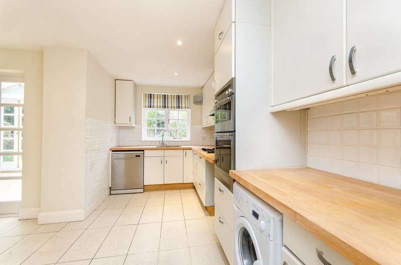 5 Bedrooms Detached House for rent in Valonia Gardens, West Hill, SW18