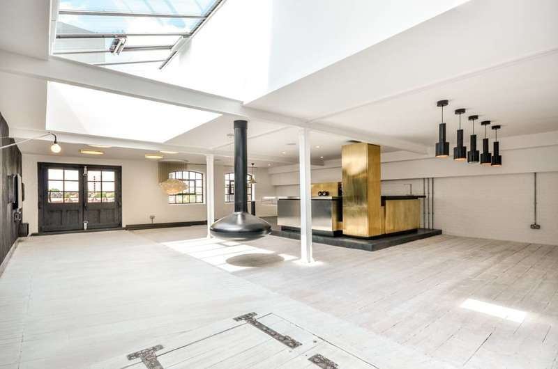 2 Bedrooms Flat for rent in Metropolitan Wharf, Wapping, E1W