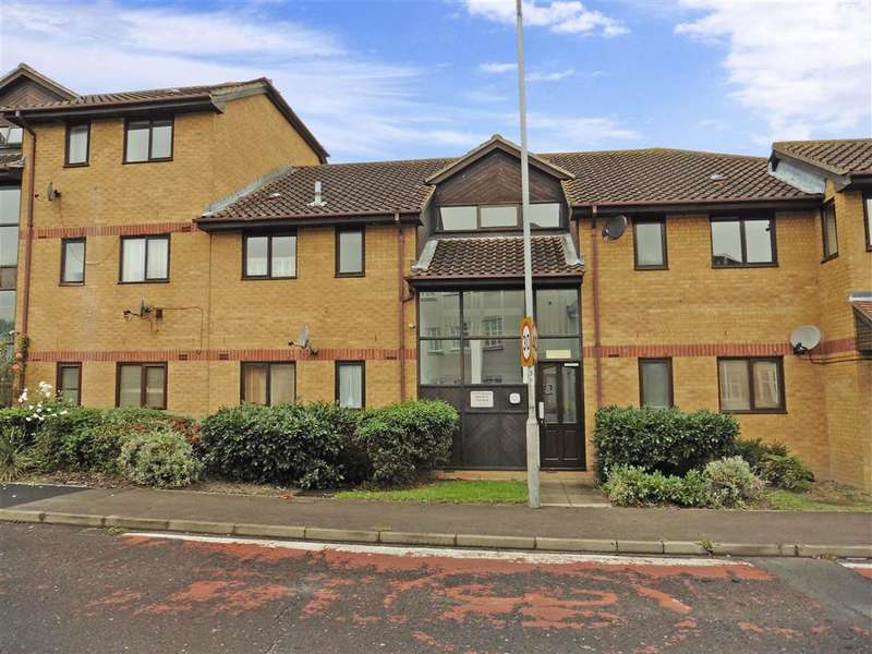 1 Bedroom Flat for sale in Radwinter Avenue, Wickford, Essex