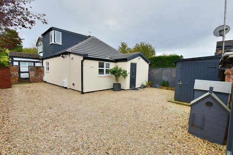 2 Bedrooms Semi Detached Bungalow for sale in Mill Hill Avenue, Poynton, Stockport, Cheshire, SK12 1EQ