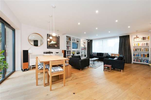 3 Bedrooms Detached House for sale in Ryedale, East Dulwich