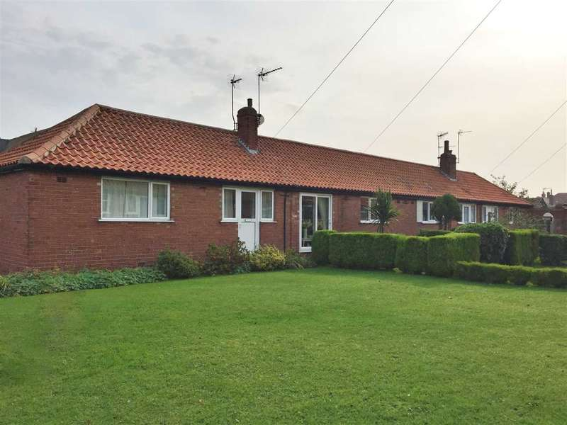 2 Bedrooms Bungalow for sale in West Vale, Filey