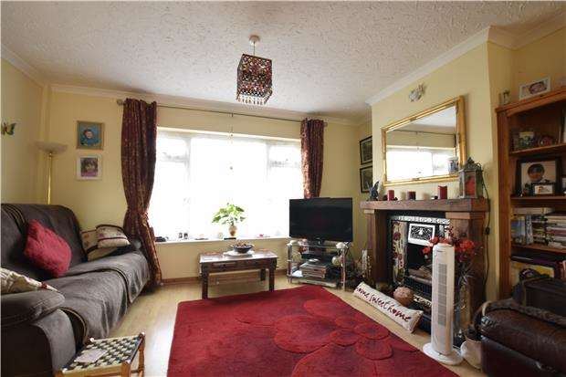 3 Bedrooms Semi Detached House for sale in Woodsgate Park, BEXHILL-ON-SEA, East Sussex, TN39 4AP