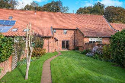 4 Bedrooms Barn Conversion Character Property for sale in North Burlingham, Norwich, Norfolk