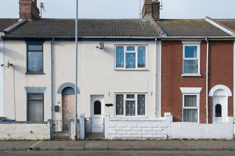 3 Bedrooms Terraced House for sale in Admiralty Road, Great Yarmouth