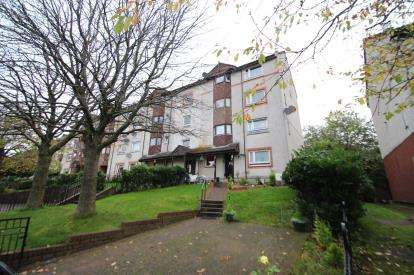 3 Bedrooms Flat for sale in Kilmuir Road, Thornliebank