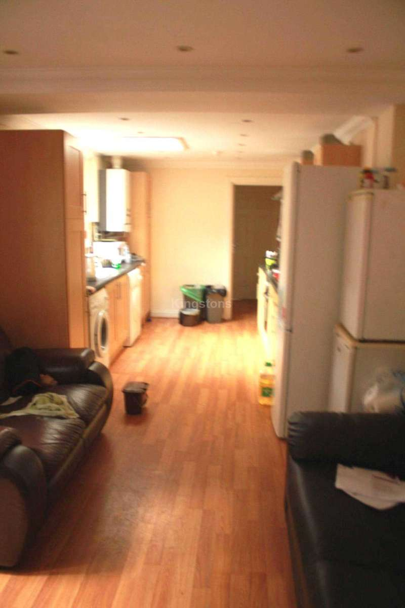 6 Bedrooms Terraced House for rent in Mackintosh Place, Cardiff, CF24 4RJ