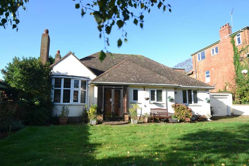 3 Bedrooms Detached Bungalow for sale in Southbourne