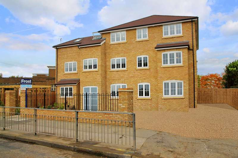2 Bedrooms Flat for sale in Chertsey Road, Ashford, TW15