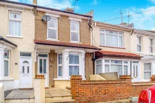 4 Bedrooms Terraced House for sale in Jeyes Road, Gillingham, Kent, .