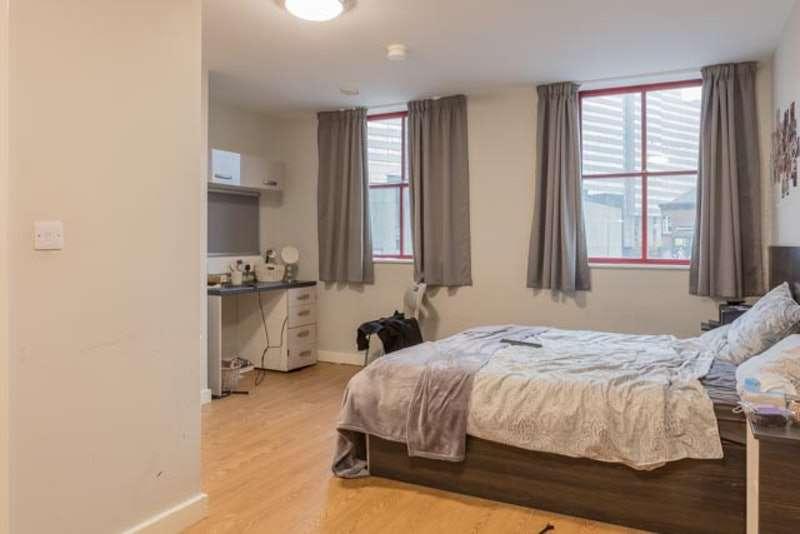 Studio Flat for sale in Glasshouse Street, Nottingham, Nottinghamshire, NG1