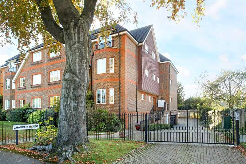 2 Bedrooms Flat for sale in Chaucer House, Upper Edgeborough Road, Guildford, Surrey, GU1