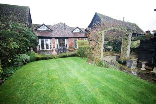 3 Bedrooms Mews House for sale in New Road, Wilstone, Near Tring, Hertfordshire