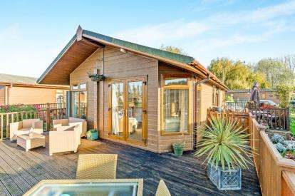 3 Bedrooms Mobile Home for sale in Goose Island, Billing Aquadrome, Northampton, Northamptonshire