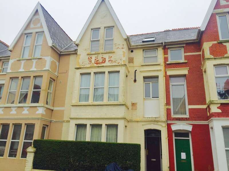 2 Bedrooms Ground Flat for sale in Mary Street, Porthcawl