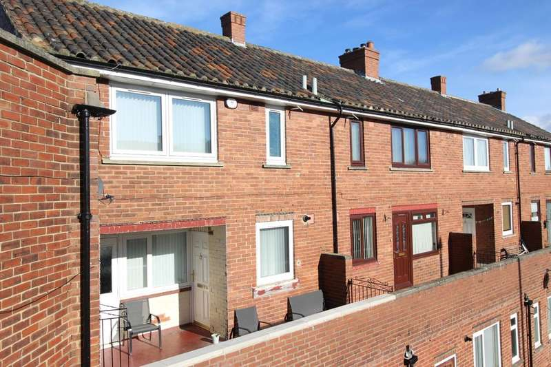 2 Bedrooms Flat for sale in Parkhead Square, Blaydon-On-Tyne, NE21