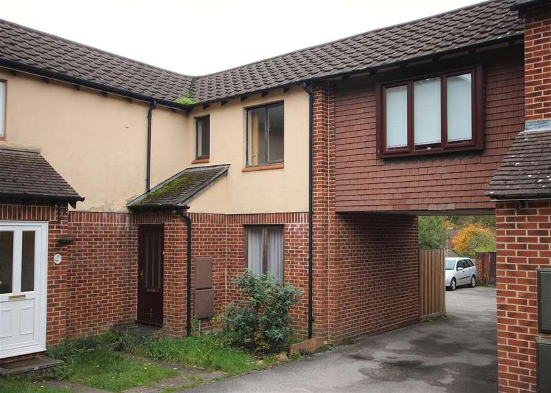 2 Bedrooms Semi Detached House for rent in Roxburghe Close, Whitehill
