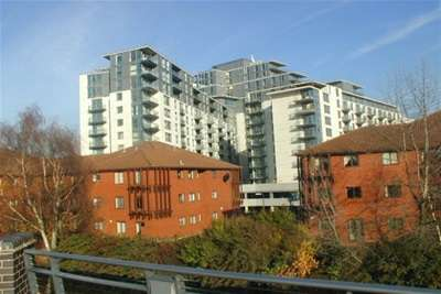 2 Bedrooms Flat for rent in Centenary Plaza