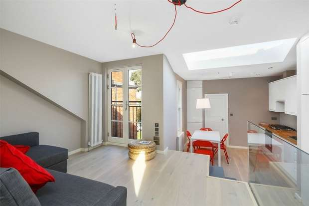 2 Bedrooms Flat for sale in Hereford Road, London