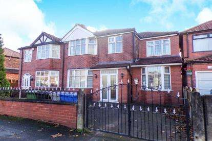 4 Bedrooms Semi Detached House for sale in Moorside Road, Urmston, Greater Manchester